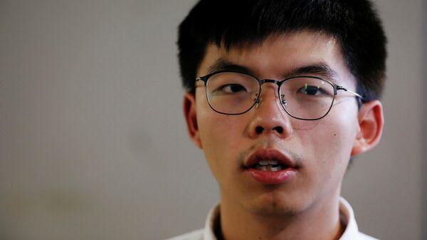 Политический активист Джошуа Вонг в Гонконге