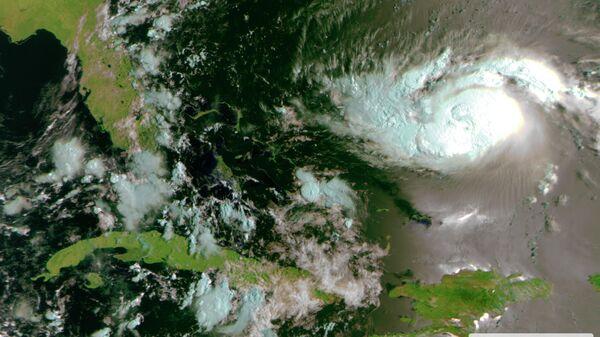 Ураган Дориан со спутников Метеор