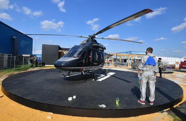 Вертолет Ансат с дизайном в стиле Aurus на выставке, которая откроется в рамках Международного авиационно-космического салона МАКС-2019 в Жуковском