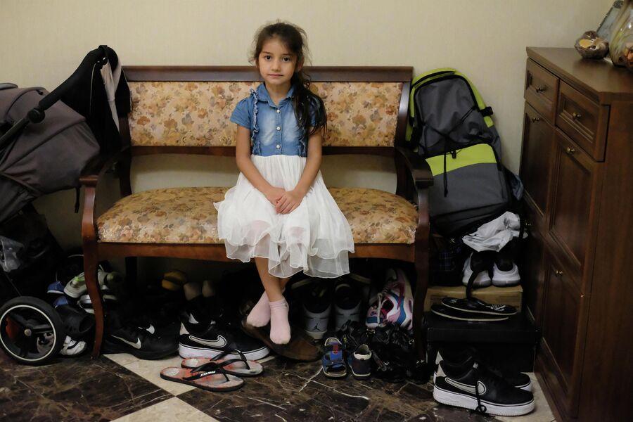Обувь в семье Ульяновых занимает полкоридора. И это только летняя
