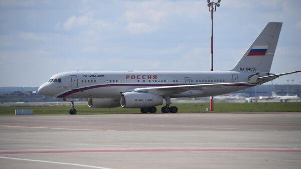 Российский самолет Ту-204