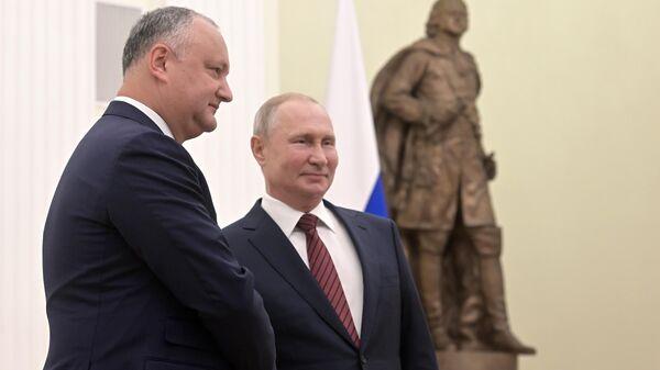 Президент РФ Владимир Путин и президент Молдавии Игорь Додон во время встречи. 7 сентября 2019