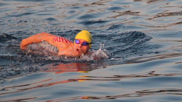 Умер уральский спортсмен, проплывший накануне 30 км в открытом море
