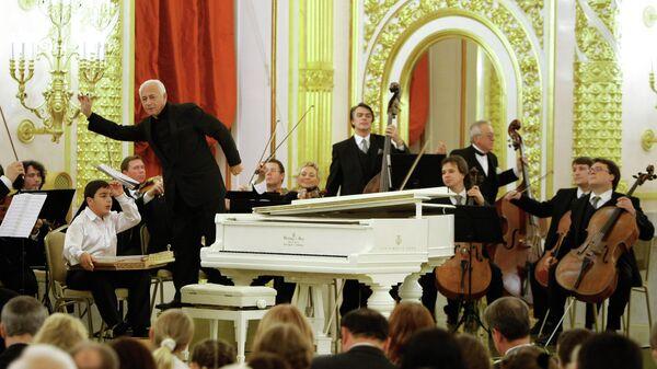 На заключительном концерте Международного фестиваля молодых исполнителей классической музыки стран СНГ Восходящие звезды в Кремле