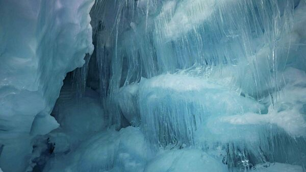 """Image result for В Антарктиде нашли """"затерянную"""" пещеру"""