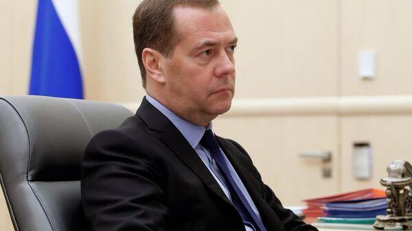 Председатель правительства РФ Дмитрий Медведев во время встречи с председателем Федерации независимых профсоюзов РФ Михаилом Шмаковым. 13 сентября 2019