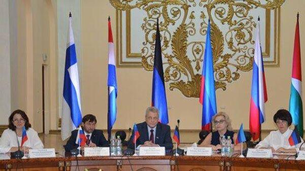 Председатель Правительства ЛНР Сергей Козлов открыл IV Экономический форум в столице Республики. 14 сентября 2019