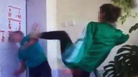 Момент удара студента-первокурсника в Приморском индустриальному колледже