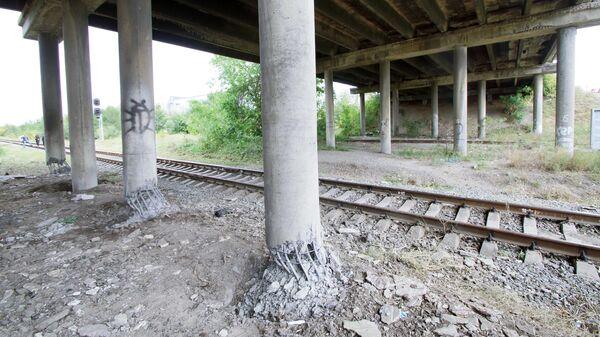 Последствия подрыва моста в Луганске. 19 сентября 2019