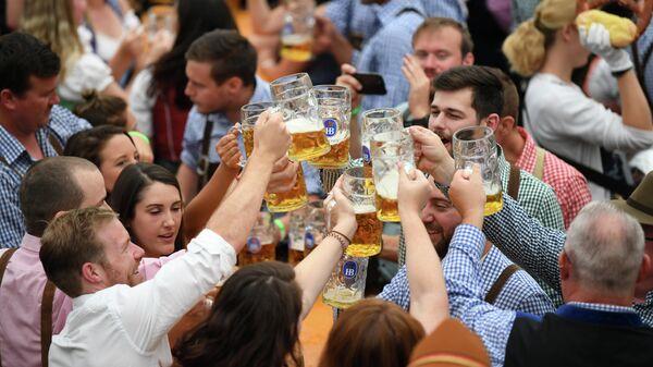 Фестиваль пива Октоберфест в Мюнхене