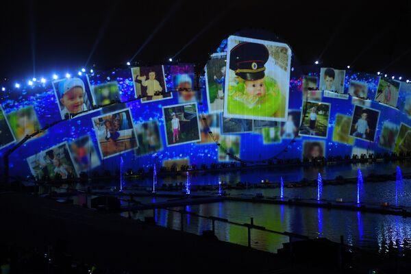 Видеопроекция на закрытии фестиваля Круг света 2019 в Москве