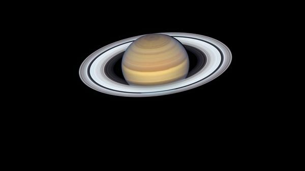 Сатурн снятый телескопом Hubble во время самого близкого подхода к Земле