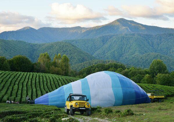 Аэростат на Фестивале воздушных шаров Солохаул парка в Сочи