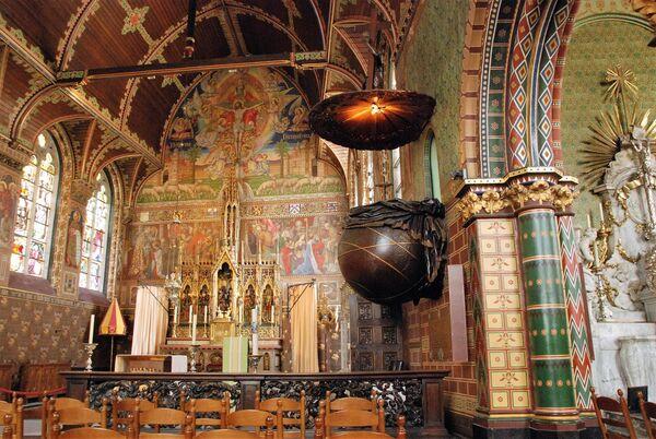 Базилика Святой Крови в Брюгге Бельгия