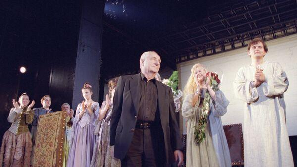Марк Захаров после окончания премьерного показа спектакля Шут Балакирев
