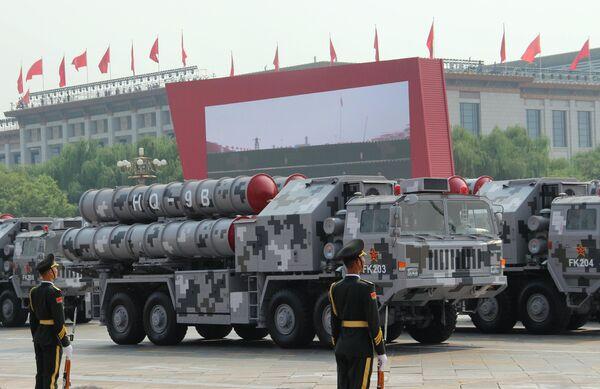 Зенитно-ракетный комплекс Хунци-9 (HQ-9) на военном параде, приуроченном к 70-летию образования Китая, в Пекине