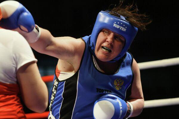 Синецкая Ирина, одержавшая победу в финале чемпионата России по боксу среди женщин в весовой категории свыше 81кг.
