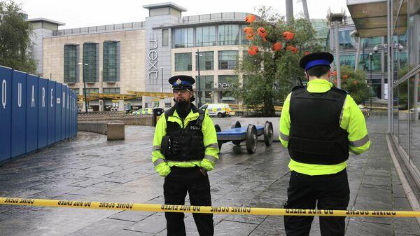 Полиция на месте инцилента в торговом центре в Манчестере. 11 октября 2019