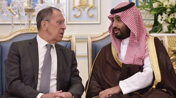 Министр иностранных дел РФ Сергей Лавров и наследный принц Саудовской Аравии, министр обороны королевства Саудовская Аравия Мухаммед бен Сальман аль Сауд