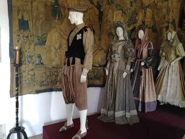 Санто-Доминго. Во дворце Алькасар-де-Колон собраны предметы искусства и быта позднего Средневековья