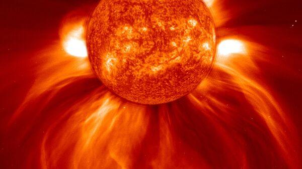 Вспышка на Солнце с американского спутника SOHO