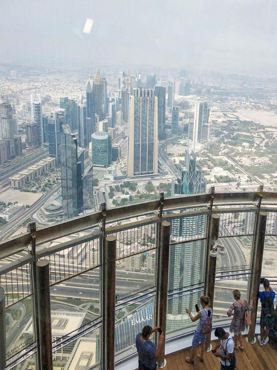 Дубай. Смотровая площадка небоскреба Бурдж-Халифа