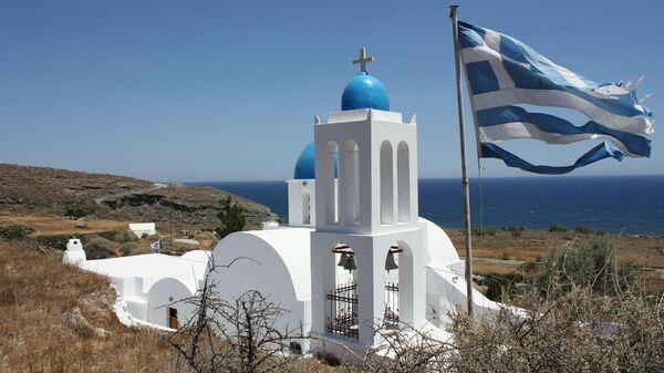 Церковь на острове Санторини в Греции