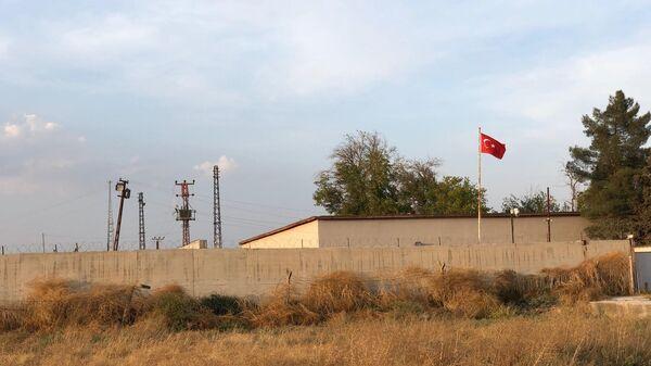 Турецкое КПП на границе с Сирией. Вид из города Айн-аль-Араб (Кобани)