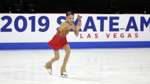 Анна Щербакова (Россия) на этапе Гран-при в США по фигурному катанию