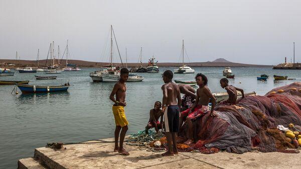 Местные жители на острове Сал архипелага Кабо-Верде