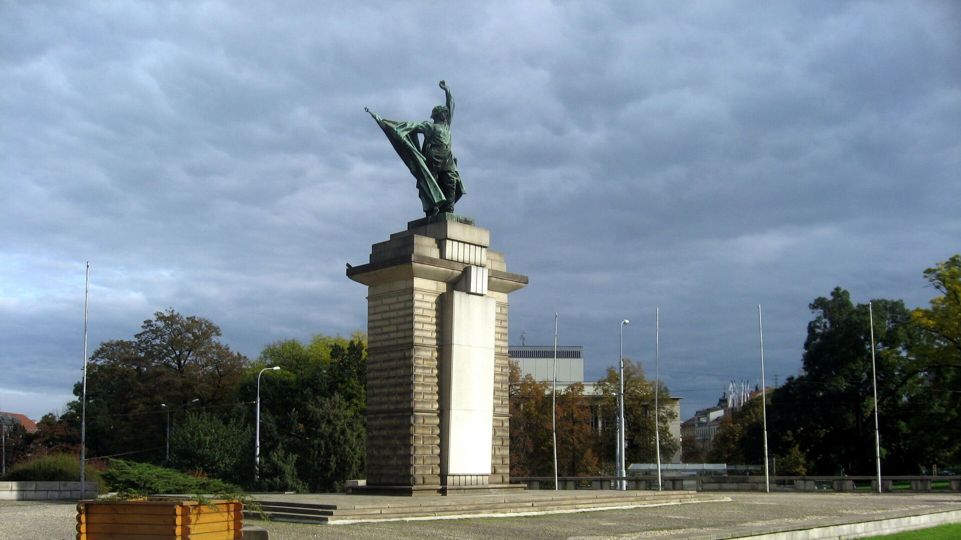 Памятник воинам Красной армии, погибшим при освобождении Чехословакии от нацистов, в городе Брно, Чехия - РИА Новости, 1920, 29.04.2021