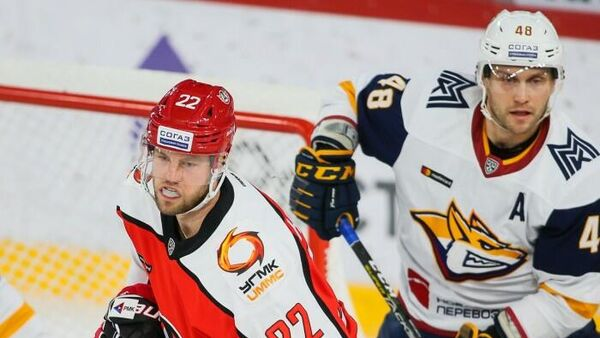 Автомобилист - Металлург в матче регулярного чемпионата КХЛ