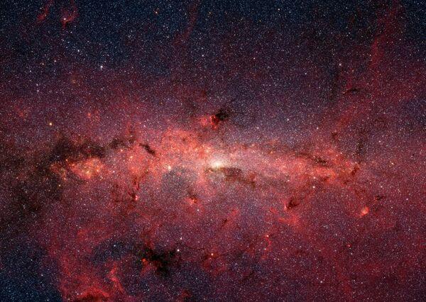 Центр нашей галактики Млечный Путь снятый телескопом Spitzer