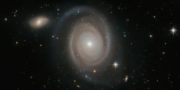 Спиральная галактика NGC 1706 в созвездии Золотая Рыба