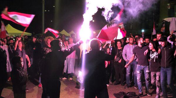 В столице Ливана продолжаются погромы и противостояния с полицией