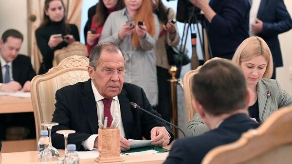 Глава МИД РФ Сергей Лавров во время встречи в Москве с генеральным секретарем ОБСЕ Томасом Гремингером