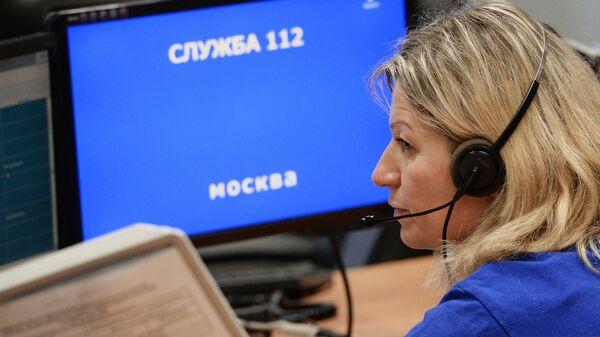 Диспетчер Системы-112 во время работы