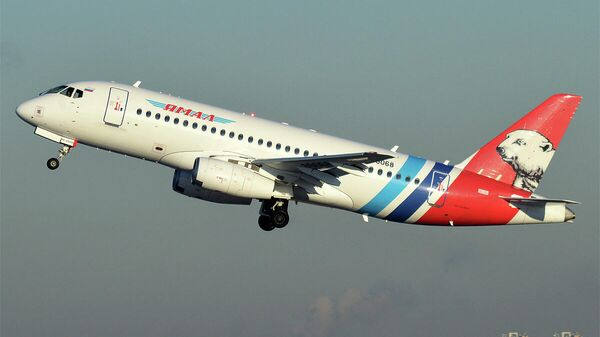Пассажирский самолет Sukhoi Superjet-100 авиакомпании Ямал