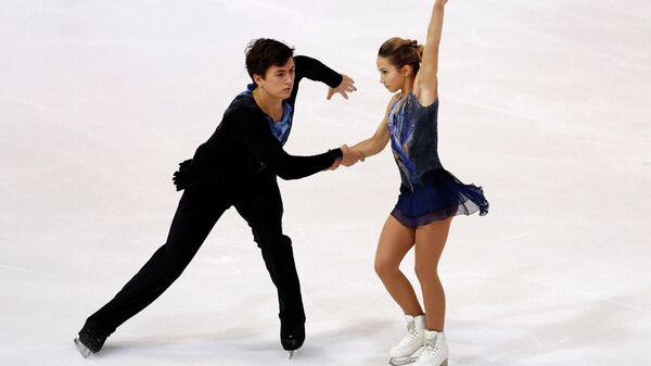 Российские фигуристы Дарья Павлюченко и Денис Ходыкин на этапе Гран-при