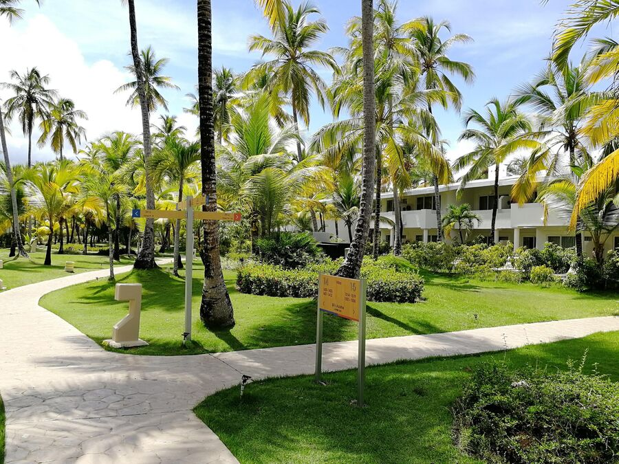Доминикана. Территория отеля Melia Punta Cana Beach Resort