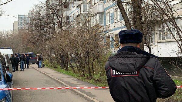 Обстановка на месте гибели женщины и малолетнего ребенка в Москве