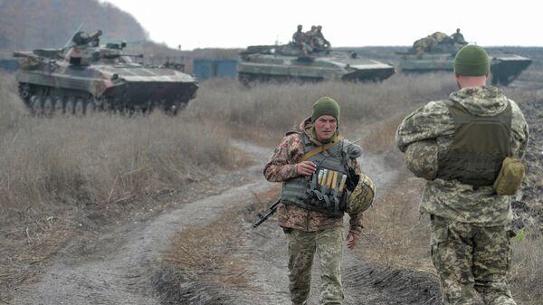 Украинские военные на линии соприкосновения в Донецкой области