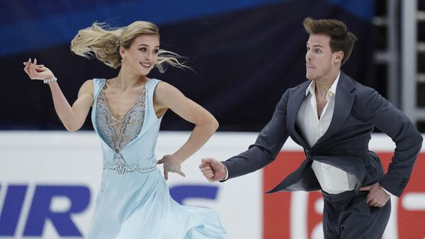 Виктория Синицина и Никита Кацалапов (Россия) на тренировке перед соревнованиями V этапа Гран-при по фигурному катанию.