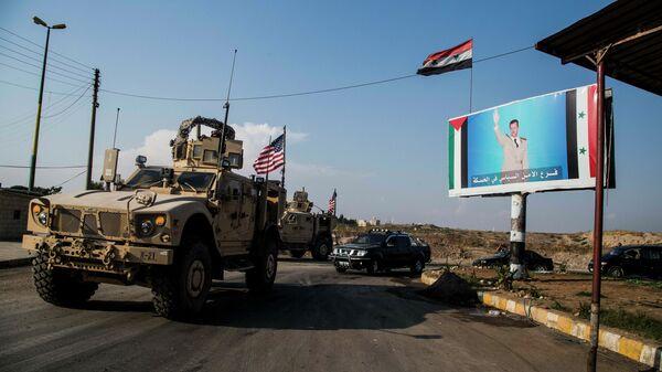 Американский военный конвой на севере Сирии