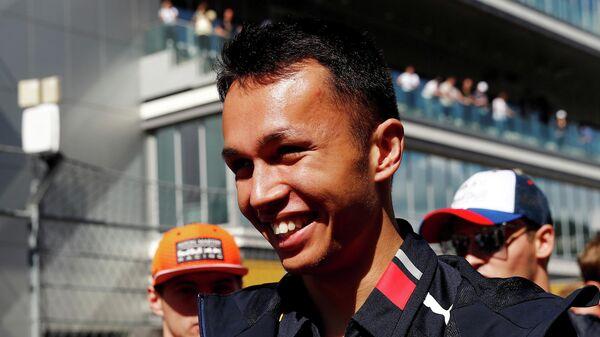 Пилот команды Формулы-1 Ред Булл Александр Албон