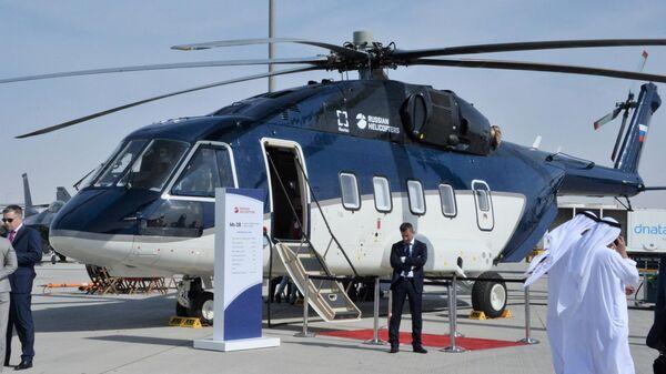 Вертолет Ми-38 на международном авиасалоне Dubai Airshow 2019