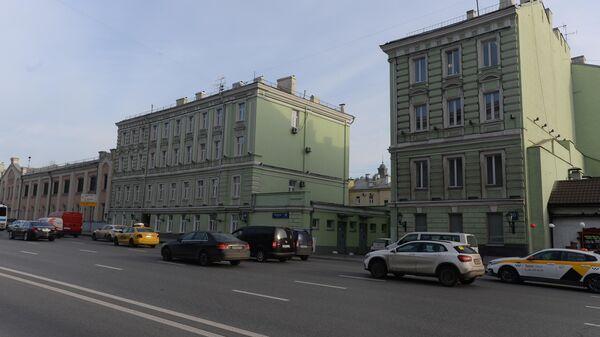 Туалет на Моховой, 10