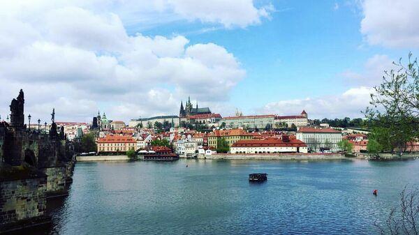 Вид на Пражский град и реку Влтаву