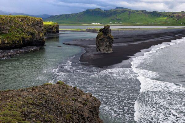 Мыс Дирхолаэй, Исландия