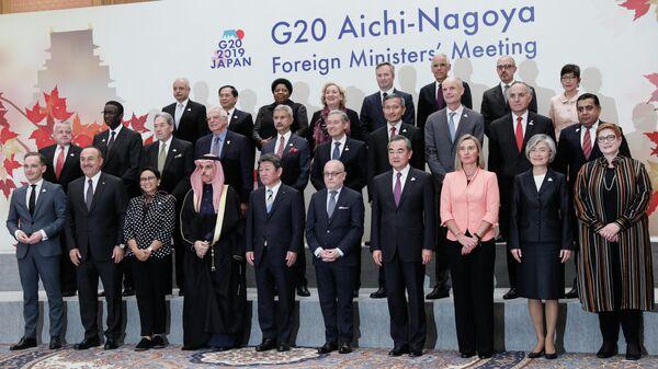Совместное фотографирование глав делегаций совета министров стран G20. 23 ноября 2019